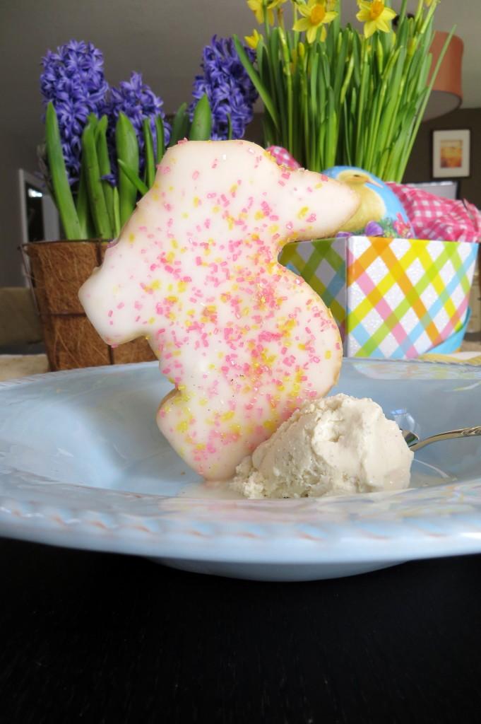 Easy Easter Dessert startwithfourwalls.com
