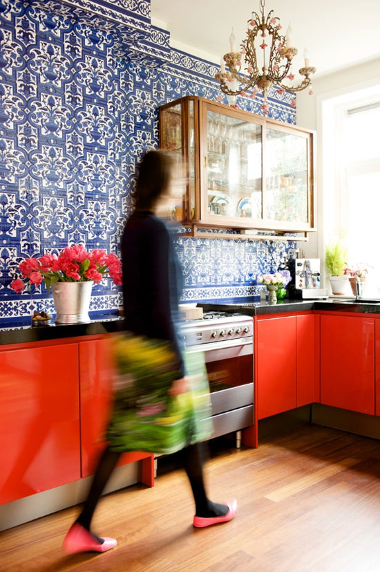 red, white, and blue decor startwithfourwalls.com