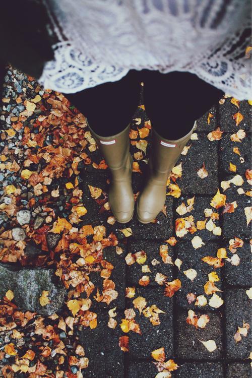 Rainy Day Dreaming startwithfourwalls.com